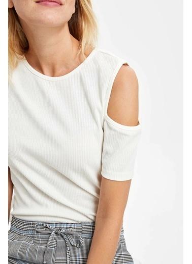DeFacto Slim Fit Kısa Kollu T-shirt Ekru